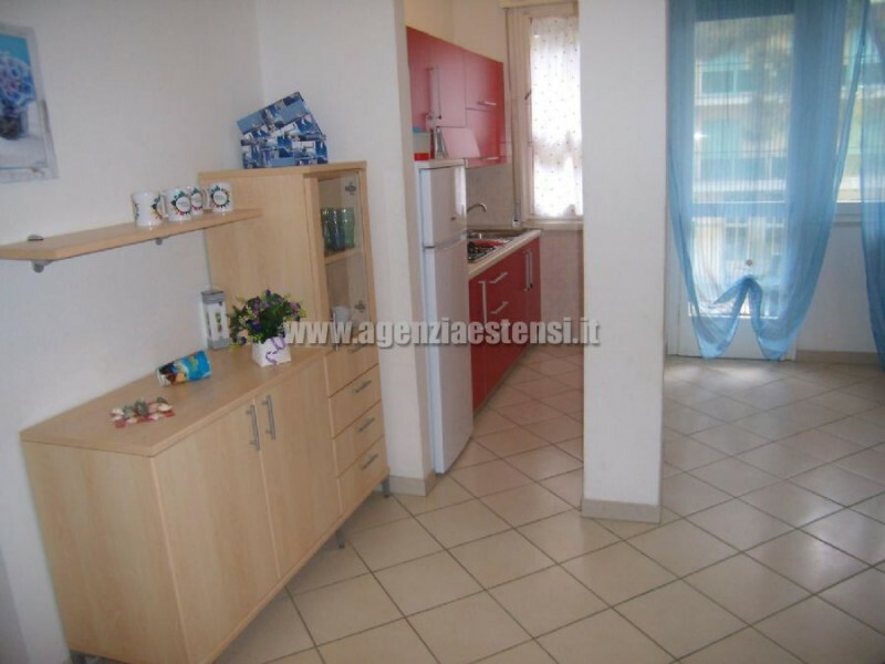 Cucina finestrata » Appartamento Belsoggiorno di ampia metratura a Lido degli Estensi