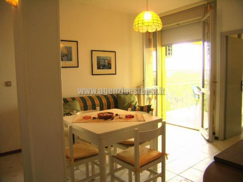 » condominio LA TORRE: affittasi appartamento QUADRILOCALE con vista mare a Lido degli Estensi