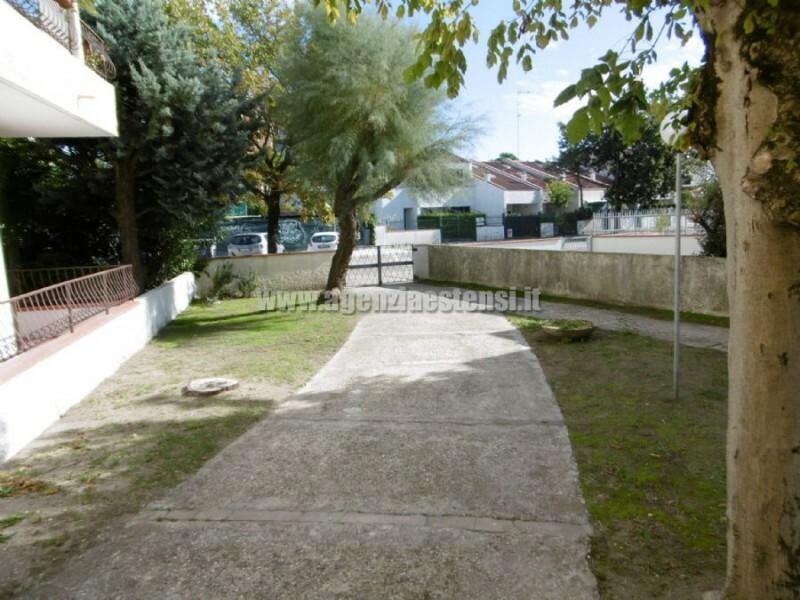esterno » LIDO DELLE NAZIONI: appartamenti trilocali a 100 metri dal mare
