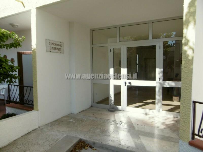 ingresso condominiale » LIDO DELLE NAZIONI: appartamenti trilocali a 100 metri dal mare