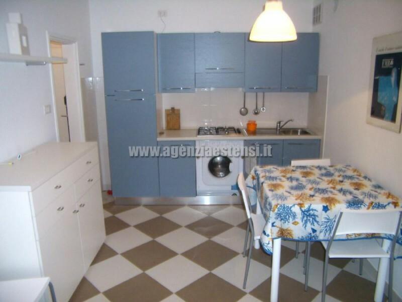 angolo cottur con lavatrice » Appartamento bilocale condominio Europa a Lido degli Estensi