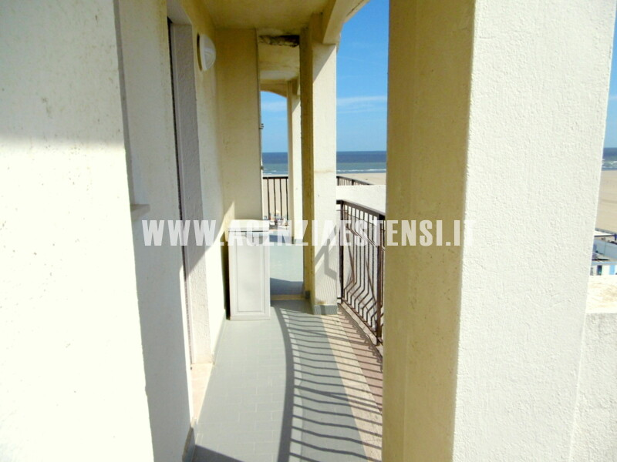 balconata su due lati dell'appartamento