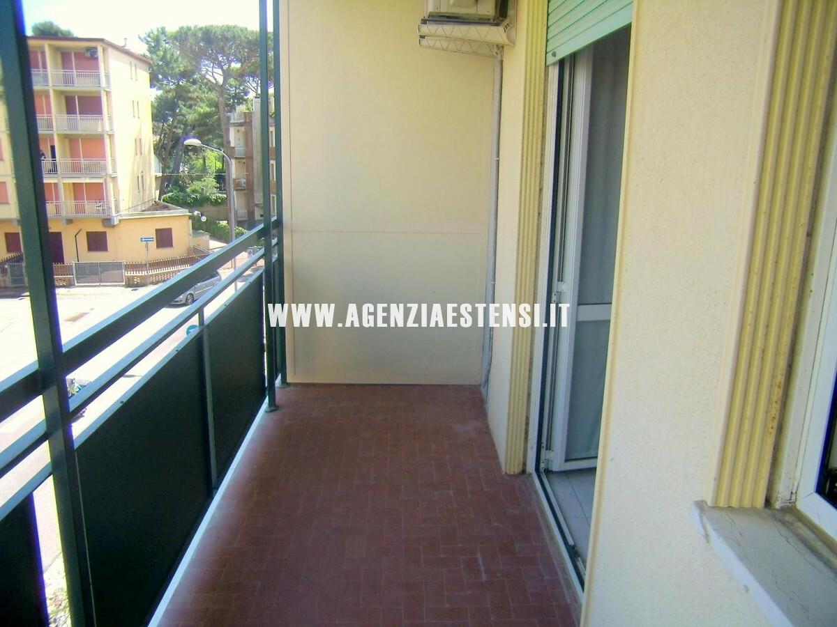 ampio balcone abitabile