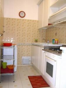 cucina separata dal soggiorno