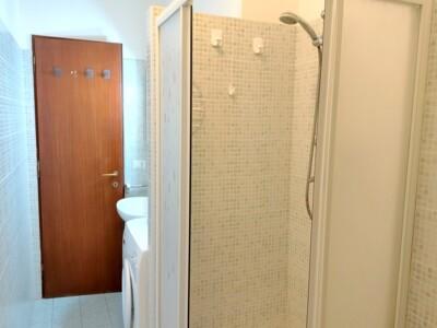 comoda cabina doccia